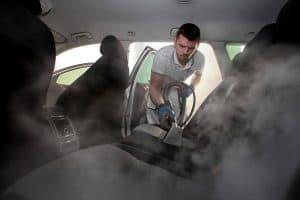 Kaj sploh je globinsko čiščenje avtomobila?